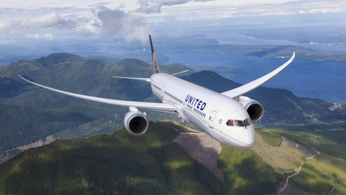 United boosts London flights as restrictions loosen Featured Image